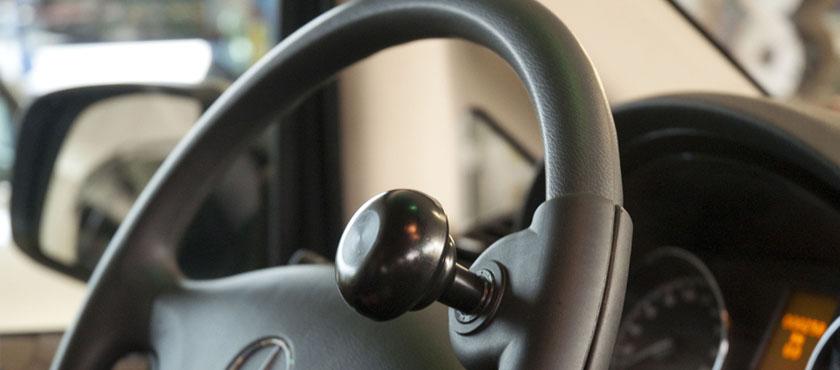 poign es au volant boule fourche tripode les poign es au volant permettent une prise facile. Black Bedroom Furniture Sets. Home Design Ideas